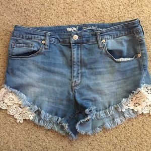 Size 14 jean mossimo shorts